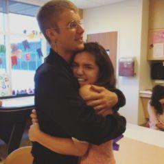 """Justin Bieber visita crianças de surpresa em hospital infantil e fãs elogiam: """"Alma linda"""""""
