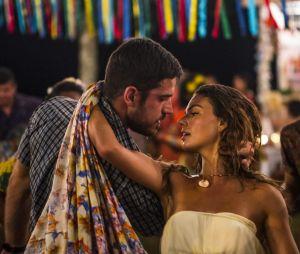 """Novela """"A Força do Querer"""": Ritinha (Isis Valverde) e Zeca (Marco Pigossi) se beijarão"""