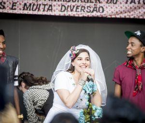 """Novela """"Malhação"""": Tato (Matheus Abreu) fica com ciúme de surpresa que Deco (Pablo Morais) faz a Keyla (Gabriela Medvedovski)"""