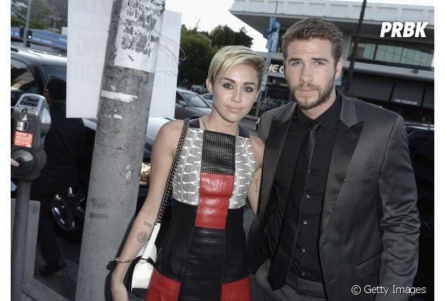 """De """"A Última Música"""", Miley Cyrus e Liam Hemsworth ficaram separados por 3 anos, mas reataram e atualmente estão noivos"""
