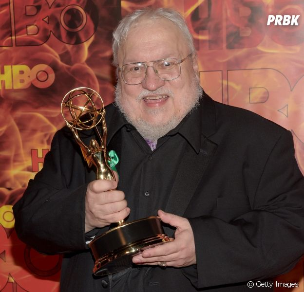 """George R. R. Martin, autor de """"Game of Thrones"""", sugere que lançará mais dois livros da série"""
