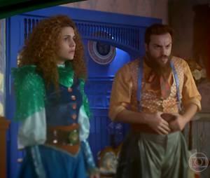 """Em """"Meu Pedacinho de Chão"""", Pedro Falcão (Rodrigo Lombardi) pede para Gina (Paula Barbosa) dar uma chance a Viramundo (Gabriel Sater)"""