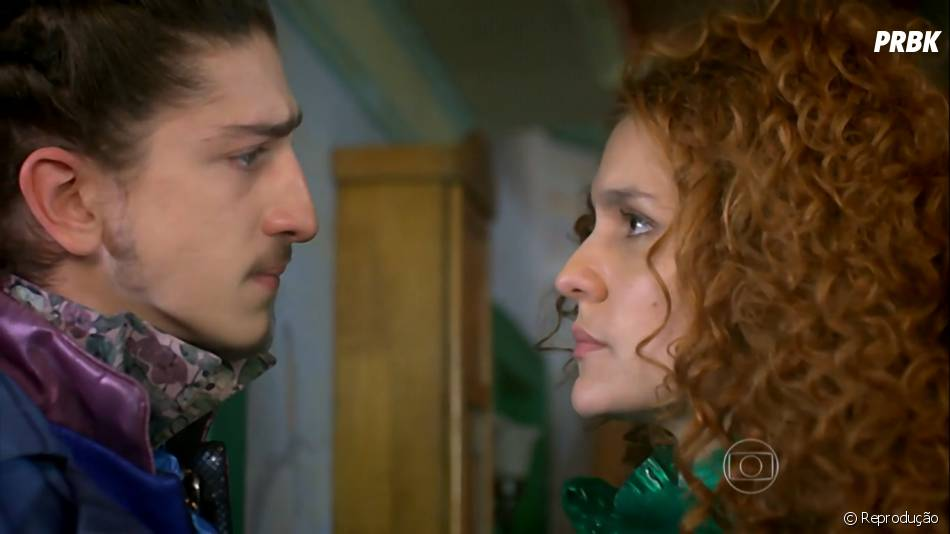"""Em """"Meu Pedacinho de Chão"""", Gina (Paula Barbosa) e Nando (Johnny Massaro) são apaixonados um pelo outro mas não conseguem se entender"""