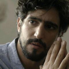 """Novela """"Os Dias Eram Assim"""": Renato (Renato Góes) confessa para Gustavo que é pai de Lucas"""
