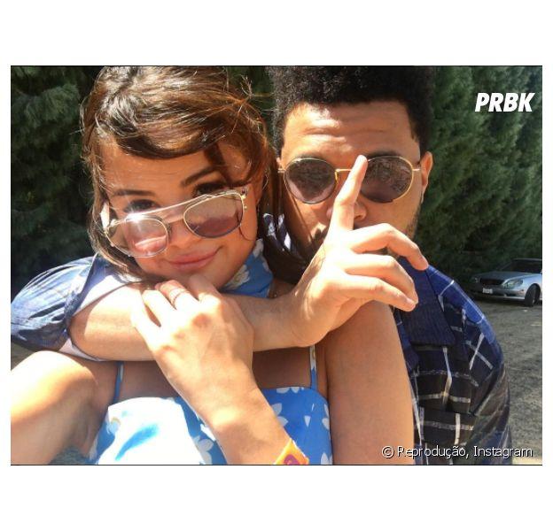 Selena Gomez publica foto com The Weeknd e fãs surtam!