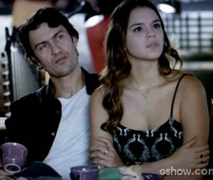 """Na história de""""Em Família"""", Luiza (Bruna Marquezine) verá Laerte (Gabriel Braga Nunes) morrer na igreja logo depois de se casar com ele"""