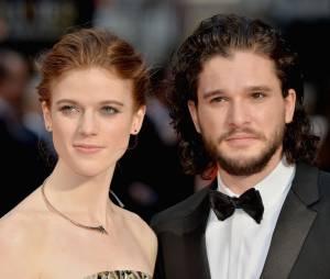 """De """"Game of Thrones"""": Kit Harington e Rose Leslie estão noivos, de acordo com site!"""