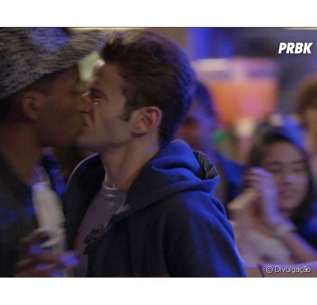 """Novela """"Malhação"""": trama transmite primeiro beijo gay!"""