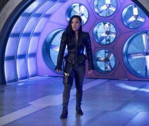 "Gypsy (Jessica Camacho) está de volta em novas fotos da 4ª temporada de ""The Flash"""