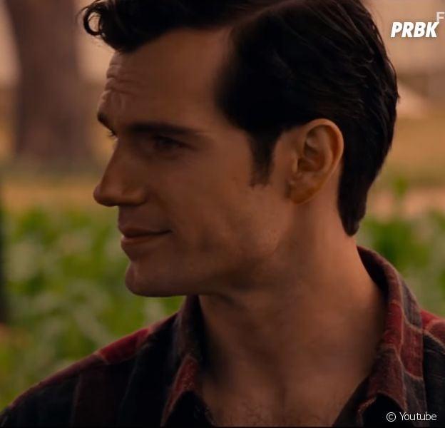 """Novo trailer de """"Liga da Justiça"""" finalmente mostra o Superman (Henry Cavill)"""