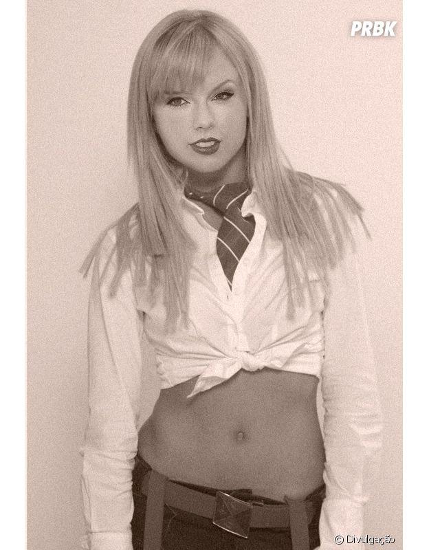 "Taylor Swift como a personagem Vicky (Angelique Boyer)de ""Rebelde"""