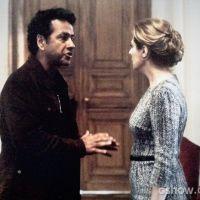 """Em """"O Rebu"""": Angela se desespera e chora na frente de Pedroso"""
