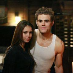 """Nina Dobrev e Paul Wesley fazem reunião de """"The Vampire Diaries"""" em Nova York"""