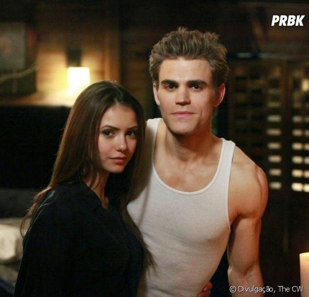 """Nina Dobrev reencontra Paul Wesley em Nova York e estamos pirando com essa reunião de """"The Vampire Diaries"""""""