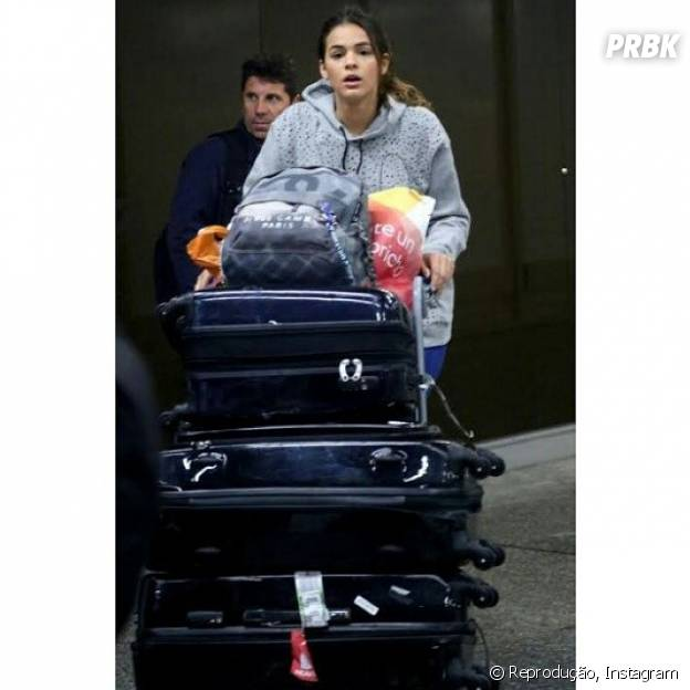 Bruna Marquezine volta ás pressas após viagem para Ibiza com Neymar Jr