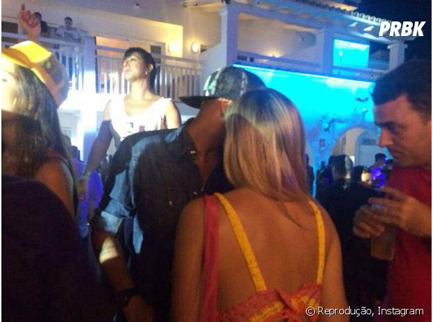 Neymar é visto com loira em festa de David Guetta na Espanha