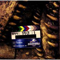 """Filmagens de """"Jurassic World"""" chegam ao fim e diretor publica novo foto do set"""