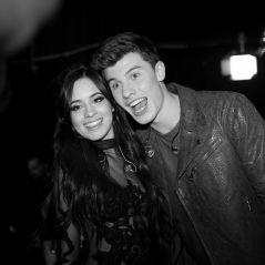 """Shawn Mendes elogia Camila Cabello por seu primeiro CD solo: """"Orgulhoso"""""""