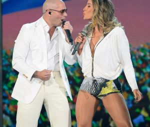 Claudia Leitte e Pitbull lançam música para o Carnaval
