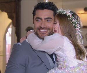 """Em """"Carinha de Anjo"""", Dulce Maria (Lorena Queiroz) é dama de honra no casamento de Gustavo (Carlo Porto) e Cecília (Bia Arantes)"""