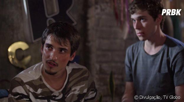 """O personagem de Gabriel Calamari em """"Malhação"""" apanhou apenas por ser amigo de um jovem homossexual"""