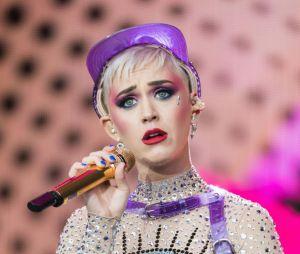 """Katy Perry assume que o álbum """"Witness"""" não fez tanto sucesso quanto esperava"""