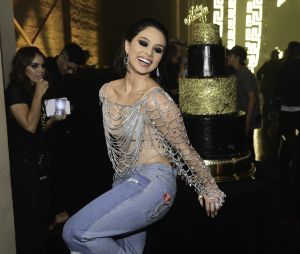 Festa de aniversário de 20 anos de Flavia Pavanelli teve Funk Glitter como tema