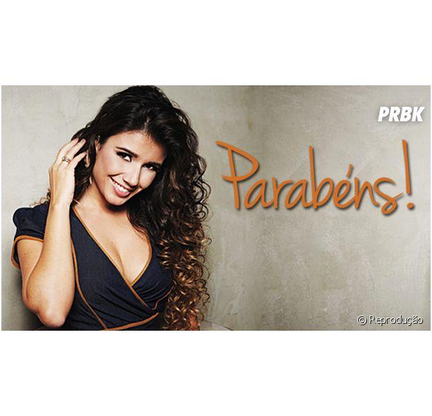 Feliz aniversário, Paula Fernandes! Parabéns!