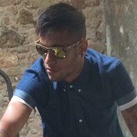 """Neymar Jr. ataca de modelo e posta foto no Instagram: """"Trabalhando"""""""
