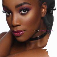 """IZA, do hit """"Pesadão"""", divulga """"Dona de Mim"""", seu primeiro álbum solo! Confira"""