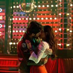 "Na novela ""Boogie Oogie"": Sandra e Rafael se beijam apaixonadamente!"