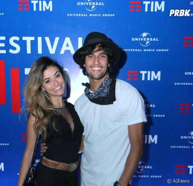 Talita Younan e Fabio Scalon aparecem juntinhos em festival de música sertaneja no Rio de Janeiro