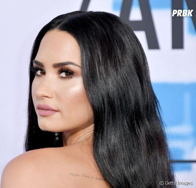 Demi Lovato adia show e deixa de seguir alguns famosos!