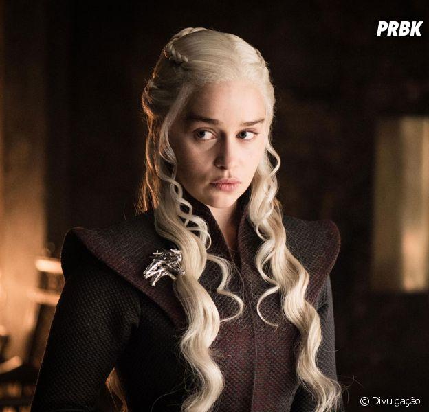 """De """"Game of Thrones"""", Emilia Clarke termina gravações de Daenerys para a última temporada da série"""