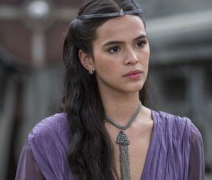 """Em """"Deus Salve o Rei"""", Catarina (Bruna Marquezine) foi uma vilã que fez bastante maldade, mas, também se ferrou muito"""