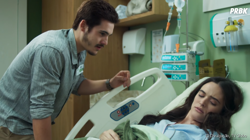 """Em """"O Tempo Não Para"""", Juliana Paiva e Nicolas Prattes interpretam o casal Marocas e Samuca"""