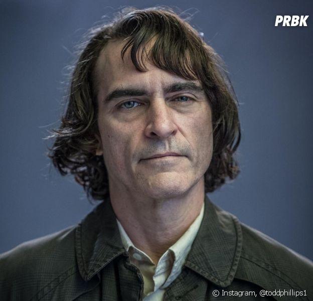 """Filme """"Coringa"""" ganha primeiras imagens de Joaquin Phoenix como o vilão"""