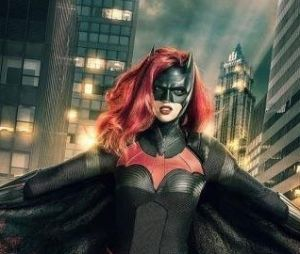 "Batwoman (Ruby Rose) vai aparecer no crossover de ""Arrow"", ""The Flash"" e ""Supergirl"""