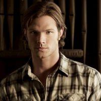 """Na 10ª temporada de """"Supernatural"""": Sam aparece sinistro em novo sneak peek"""
