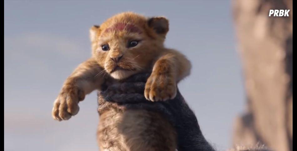 """Trailer de """"O Rei Leão"""" mostra Simba sendo batizado diante do reino"""