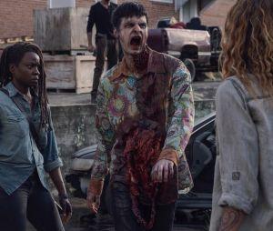 """Em """"The Walking Dead"""": Sussurradores matam Jesus (Tom Payne) e fãs esperam que ele ressuscite depois de três dias"""