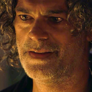 """Leon se livra de maldição e conta segredo de seu passado em """"O Sétimo Guardião"""""""