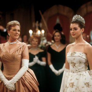 """OMG! Anne Hathaway confirma que há sim um roteiro escrito para """"O Diário da Princesa 3"""""""