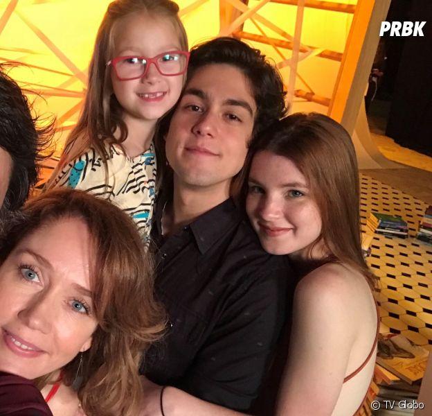"""Em """"Malhação"""": Gabriela (Camila Morgado) revela que Rafael (Carmo Dalla Vecchia) é o pai de Alex (Daniel Rangel) e Flora (Jeniffer Oliveira)"""