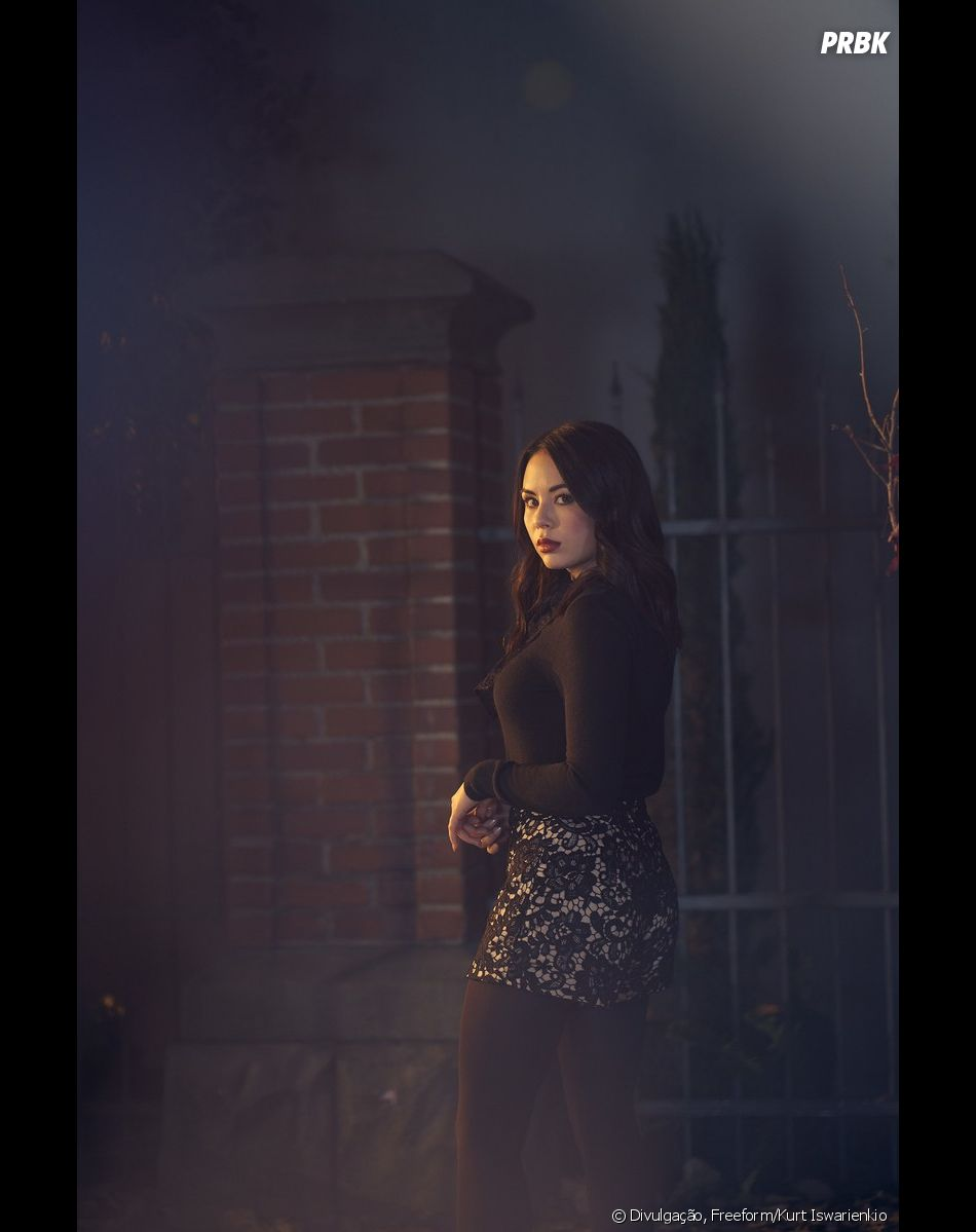 """Pretty Little Liars: The Perfectionists"": Janel Parrish volta a interpretar Mona Vanderwaal no spin-off"