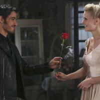 """Na 4ª temporada de """"Once Upon a Time"""": Hook recupera mão e sai com Emma!"""