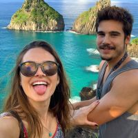 Sério, como não morrer de amores com essas fotos do Nicolas Prattes e Juliana Paiva em Noronha?