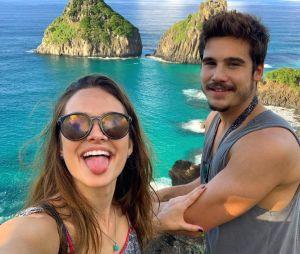 Juliana Paiva e Nicolas Prattes estão belíssimos em Fernando de Noronha e os dois não podiam ser mais relationship goals!