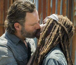 """Em """"The Walking Dead"""", Michonne (Danai Gurira) pode ter algo a ver com os filmes da série com Rick (Andrew Lincoln)"""