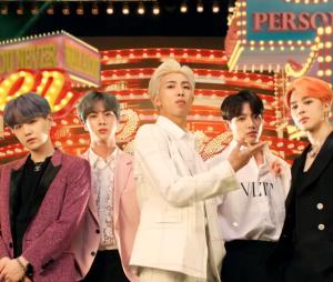 "BTS alcança recorde histórico com ""MAP OF THE SOUL: PERSONA"" na Billboard 200"